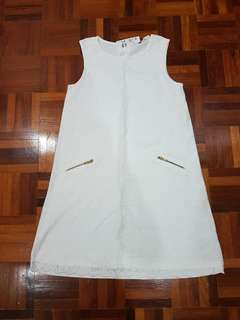 H n m- white dress ( 8 to 10 years old)