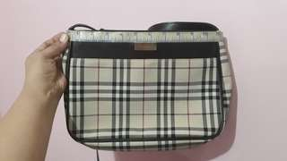 PRE-LOVED AUTHENTIC BURBERRY SHOULDER BAG