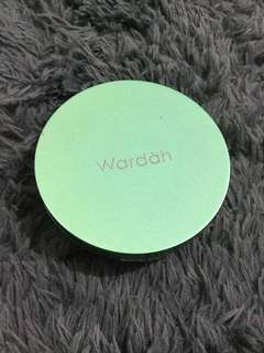 Wardah exclusive two way cake