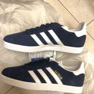 Adidas gazelle 深藍色