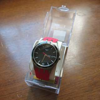 易襯紅色 Swatch 手錶