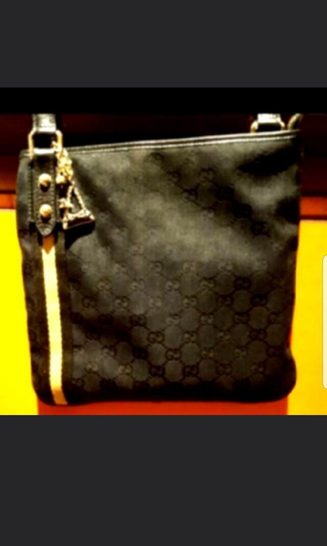 70e0c5c38d1 Authentic Gucci Sling  Crossbody bag