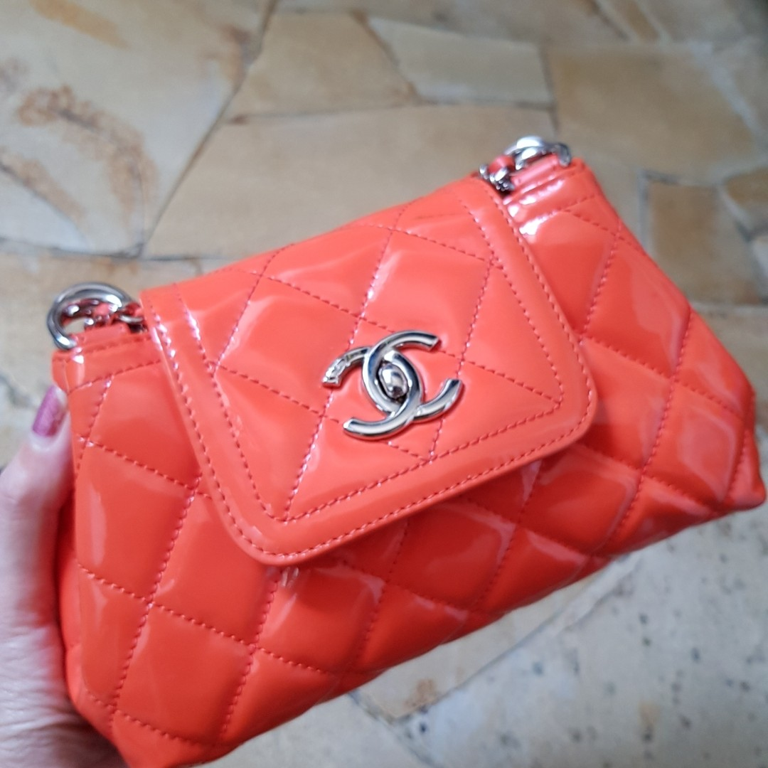 Chanel seasonal patent flap bag c6e056eb66aff