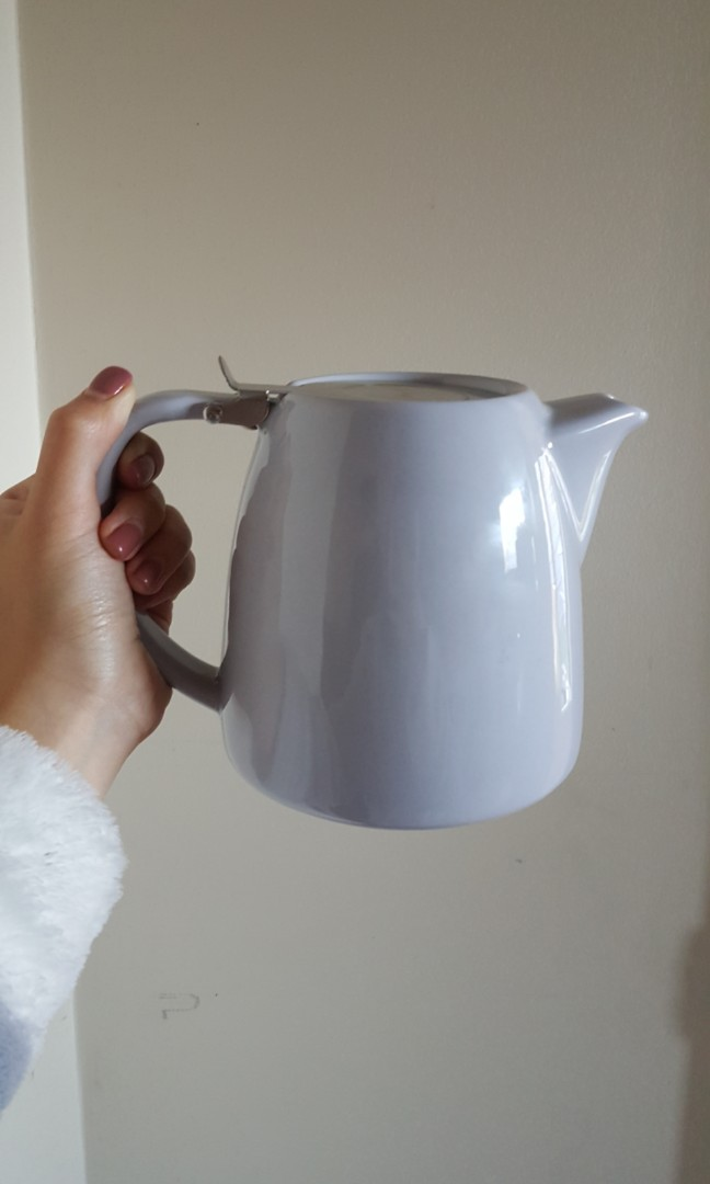 Decent ceramic teapot in light grey blue 1.1L with lid and removable strainer