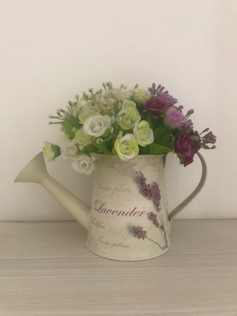 Carousell & Decorative flower pot and artificial flower