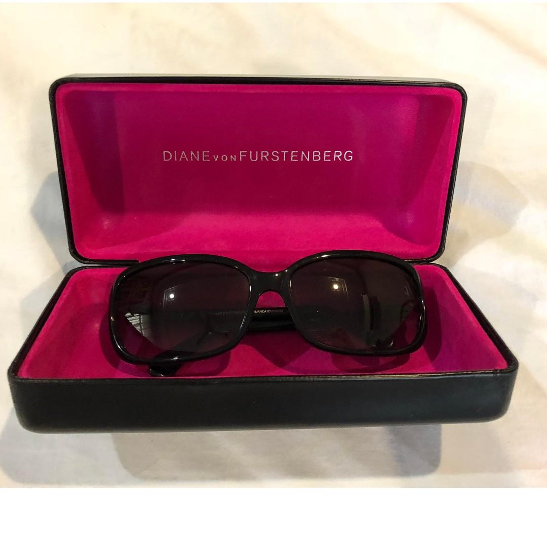 e6c0acadcb Diane von Furstenberg DvF Ladies  Sunglasses with Box (excellent ...