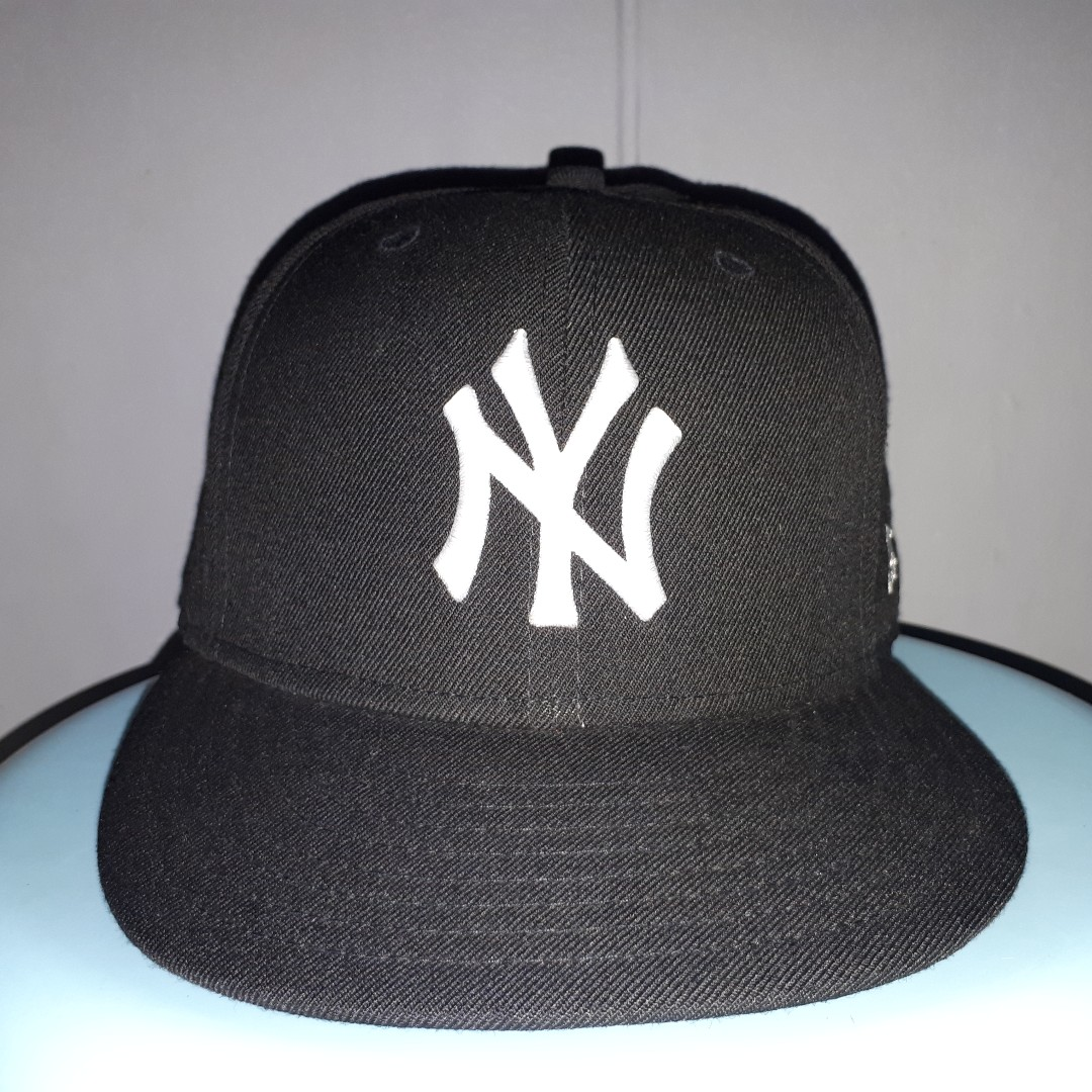 ef5f9564620c2 New York Yankees New Era Black 59Fifty Fitted Cap Size 7 3 8