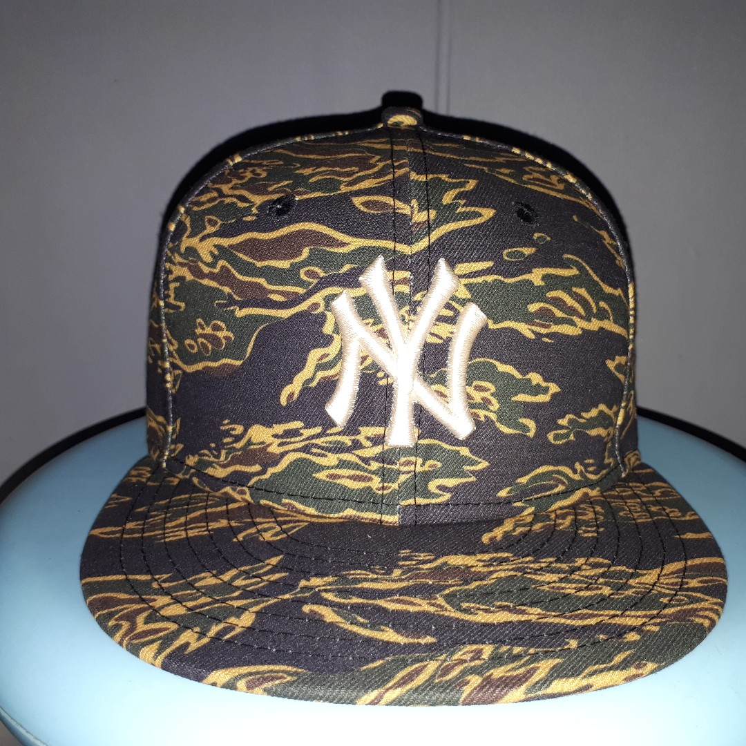 bc7582d6b41 New York Yankees New Era Tiger Stripe Camouflage 59Fifty Cap Size 7 ...