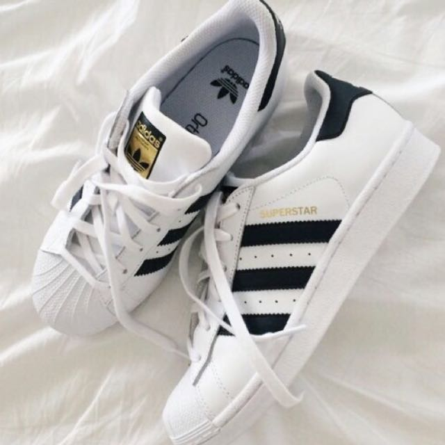4ea410fc4f47 po  tumblr white and black adidas superstar shoes