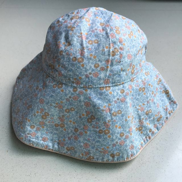 Preloved Old Navy 0-6M Floral Sun Hat for Baby Girl d5e8d6f07bd