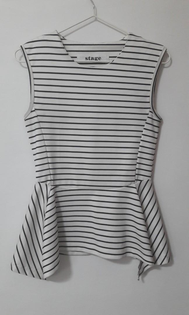 da9dfc54426578 Striped Black   White Sleeveless Top