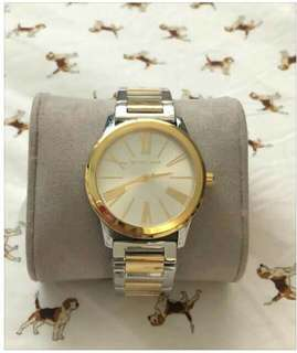 Authentic watchessss pm me.
