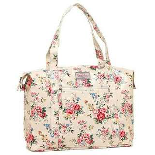 Authentic Cath Kidston Spray Flowers Zipped Shoulder Bag