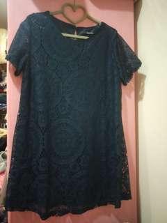 深藍色蕾絲雕花洋裝