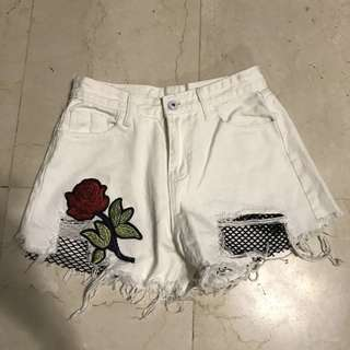 White rose embroidery netted high waisted shorts