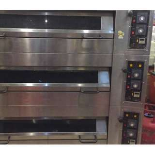 Used Commercial 3 Deck Gas Oven (Very Good Condition!)