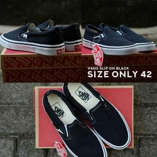 Vans Slip On Black Size Only 42