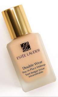 (With pump) Estee lauder double wear foundation 1W2 SAND