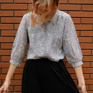 🚚 日本帶回ㄉ紫灰色系花紋古著襯衫