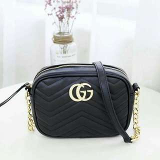 Gucci sling lady bag