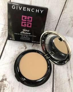 Pressed Powder by GIVENCHY