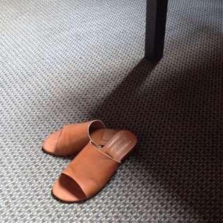 SALE: Vegan leather tan sandals Size 5
