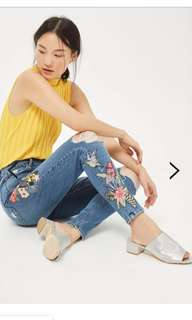 Topshop MOTO Tropical Embroidered Jamie Jeans