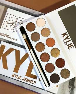 Kylie Cosmetics The Bronze Extended Palette Kyshadow with Brush