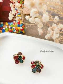 美國vintage立體雕花玻璃小花朵多彩耳針
