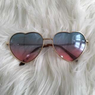 BNWOT heart sunglasses