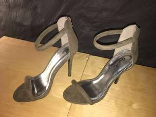(7) (37) Strap open toe sandals