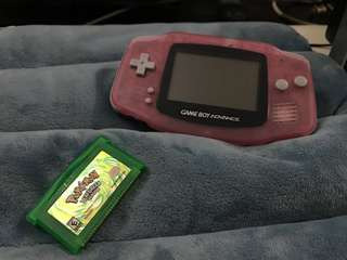 Gameboy Advance +  Pokémon Leaf Green