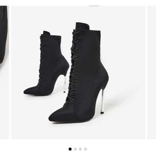 (PRICE REDUCED) Lace up ankle boot EGO official