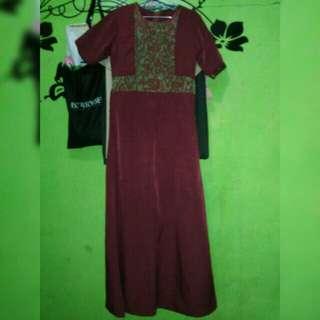 Longdress size S aslinya bagus warna maroon