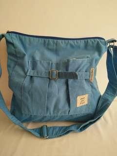 Heartstrings slingbag