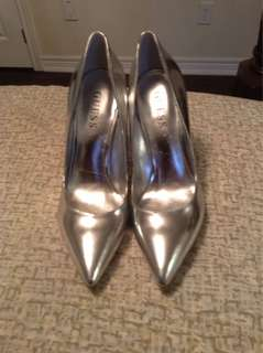 Guess silver pump size 6