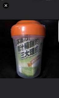 [包郵] 上班族必備 宿便救星 全新日本大麥若葉粉末沖劑 四包装 連Shake Shake 杯