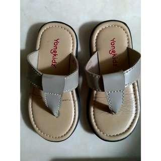 Sandal anak. Size 22 (13-13,3 cm)
