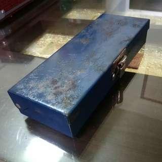 🚚 工業風舊鐵盒