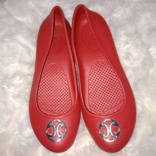 8 USA Crocs Slip-on Red