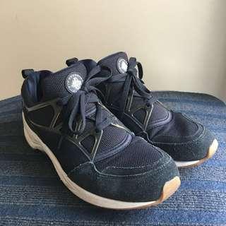 Nike Huarache Light. Black. Men US 9.5