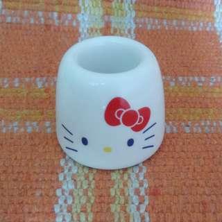 Hello Kitty ceramic holder