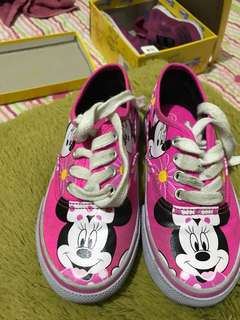 Disney shoes minnie mouse bu payless