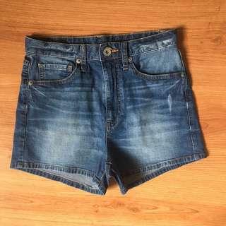 Uniqlo HW Shorts
