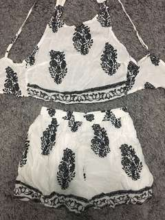2 piece outfit (XS)