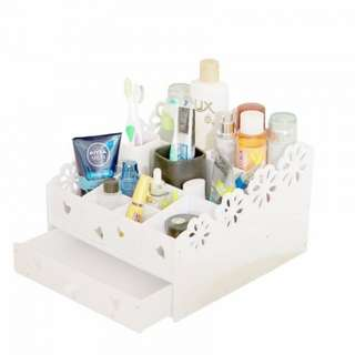 European Style Wooden Cosmetic Organizer