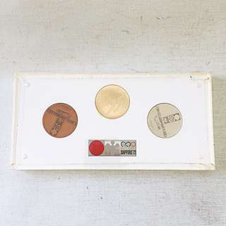 SAPPORO 1972 XI WINTER OLYMPICS 3 Coin Set Gold Silver Bronze in Casing