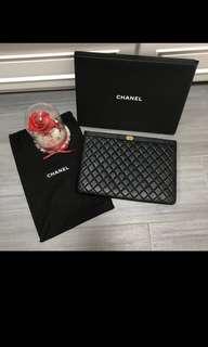 Chanel 經典Boy手拿包