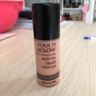 Foundation Touch & Glow (Roll on)