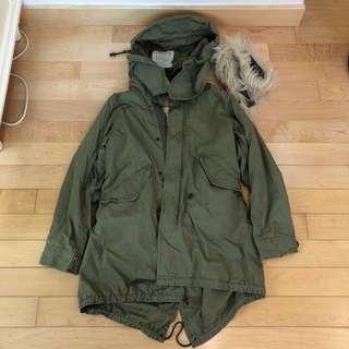 購自it RNA綠色毛毛外套Jacket